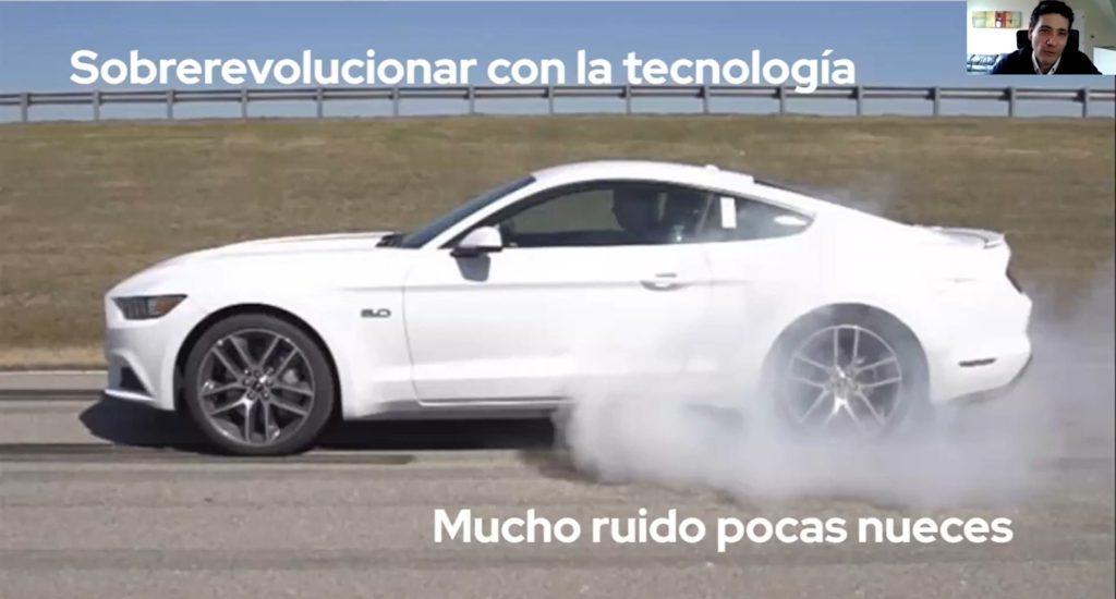 Ignacio González muestra mediante el siguiente ejemplo, como se implementa la tecnología pero se le saca poco provecho a la misma